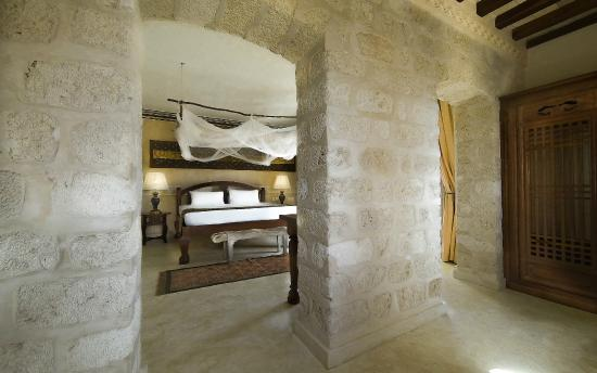 The Charming Lonno Lodge : Top Tower room
