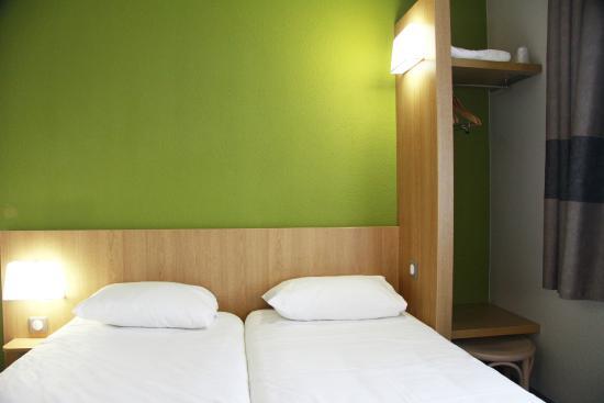 B b h tel vierzon voir les tarifs 52 avis et 16 photos for Hotels vierzon