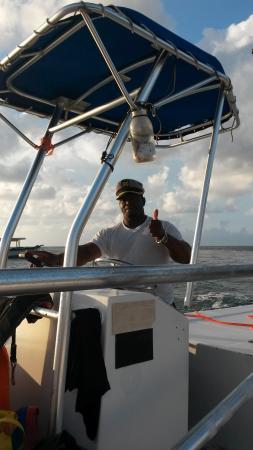 Premium Parasail Jamaica: капитан