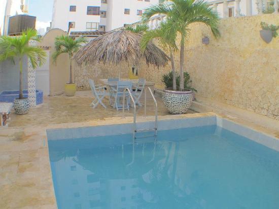 Hotel toledo desde cartagena colombia for Hoteles en iquitos con piscina