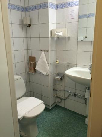 Hotel Lorensberg: Badrum