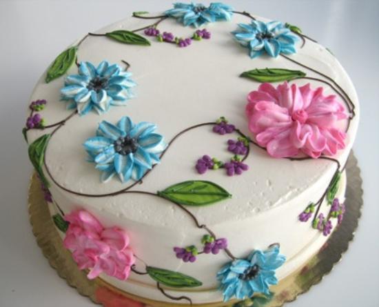 Tizzerts Bakery: Fancy Flowers Cake