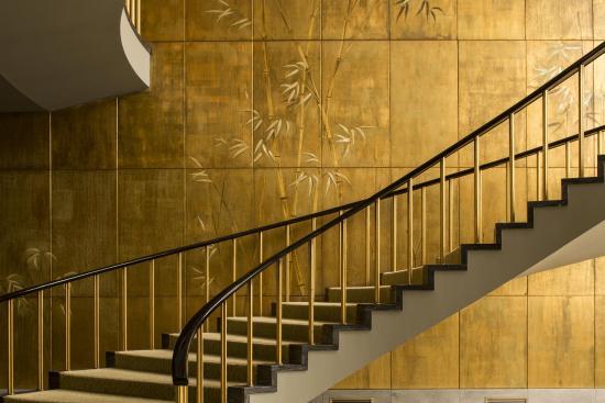 Four Seasons Hotel Ritz Lisbon: Ballroom Stairs
