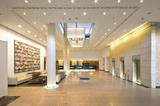 Pullman Berlin Schweizerhof : Lobby