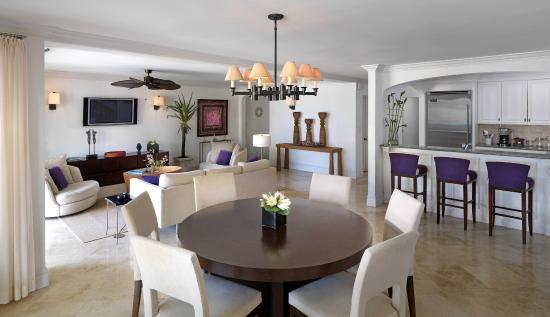 The Somerset on Grace Bay: Ocean Villa Living Room