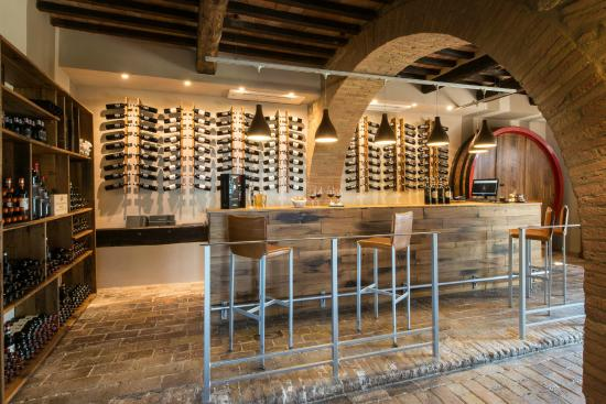 Castelnuovo dell'Abate, Italien: Wine-shop