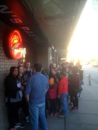 Anton's Pasta Bar : Line Up
