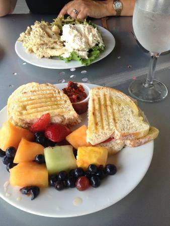 Gourmet Shop Cafe: panini