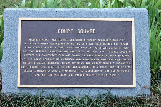 Old Courthouse: court square plaque