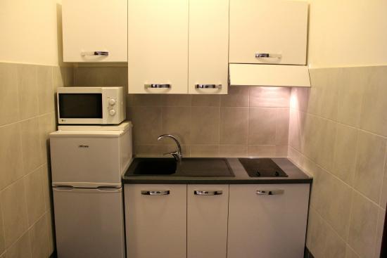 Holiday Homes Residence Appartamenti Milano: Kitchen