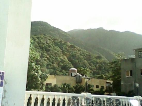Foto de hotel santiago macuto desde la piscina tripadvisor for Piscina hotel w santiago