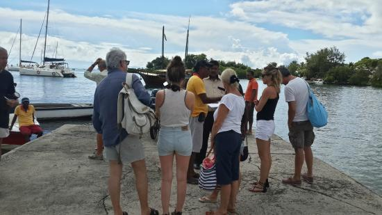 Monalysa Tour Operator Private Day Tours: briefing about the day