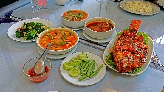 Deen Halal Thai Restaurant Bangkok Bang Rak Restaurant Reviews Photos Phone Number Tripadvisor