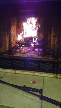 LeFevre Inn & Resort : Fireplace