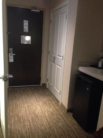Holiday Inn Hotel & Suites Surrey East - Cloverdale: Entrance/hallway