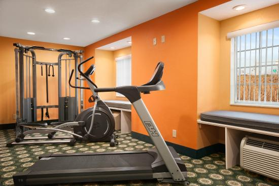 Microtel Inn by Wyndham Albany Airport: Fitness Room