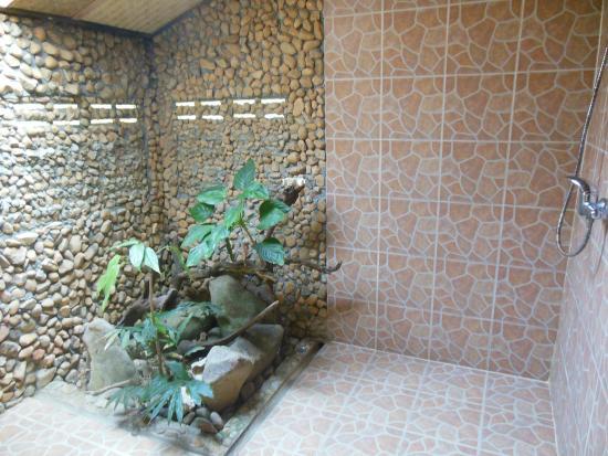 Iyara Resort & Spa : douche