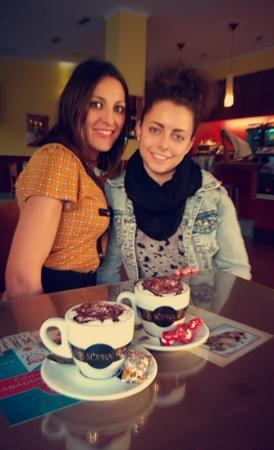 Ibi, Spain: Quedadas express inesperadas con increíble café capuchino para acompañar la velada y bombón deta