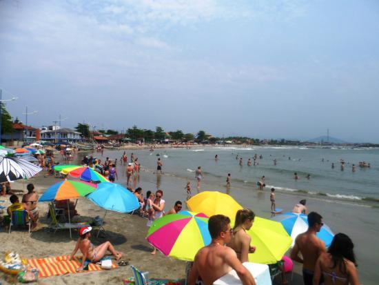 Itapoa, SC: Praia de Itapema do Norte.