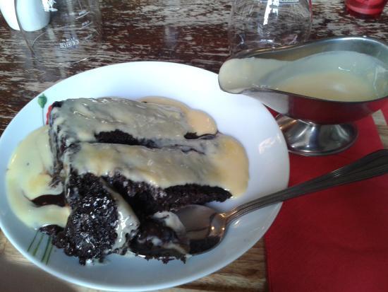 Cake With Chocolate Custard : Chocolate fudge cake and custard - Picture of The Royal ...