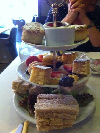 The Wro: Afternoon tea