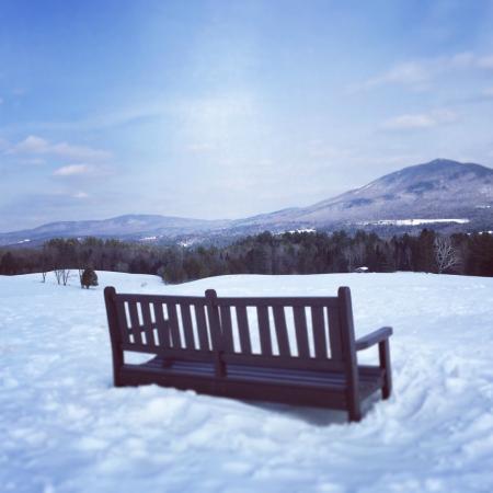 Lyndonville, VT: Heaven's Bench behind the Inn