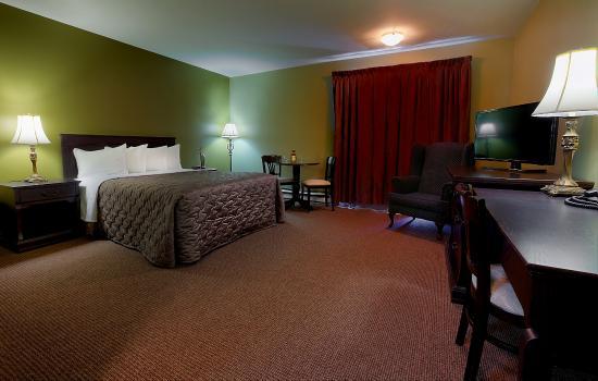 Hôtel & Suites Monte-Cristo : Chambre un lit Queen