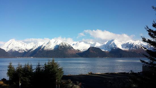 Alaska Paddle Inn: Mountains Galore