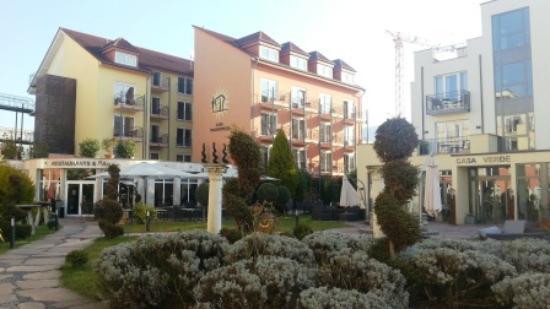 Hotel Villa Toskana: Grounds