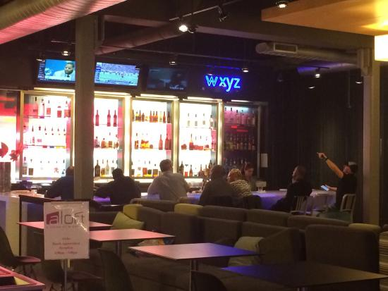 Aloft Arundel Mills: bar in lobby