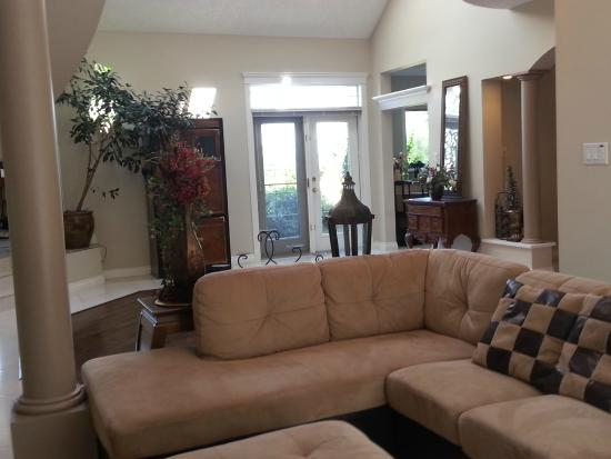 By the Sea BnB: Additional Seating & TV area