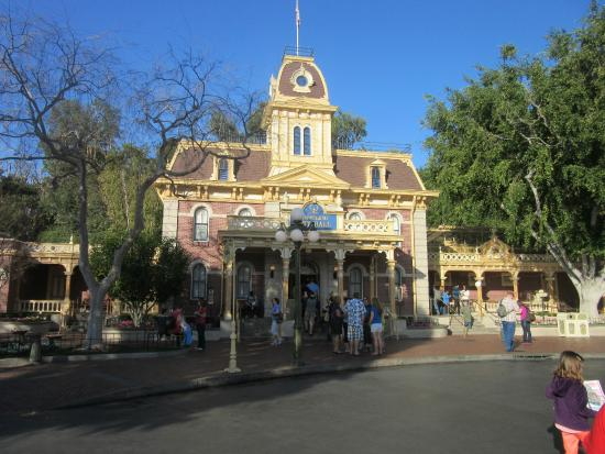 City Hall Main Street USA Picture Of Disneyland Park Anaheim - What city is disneyland in