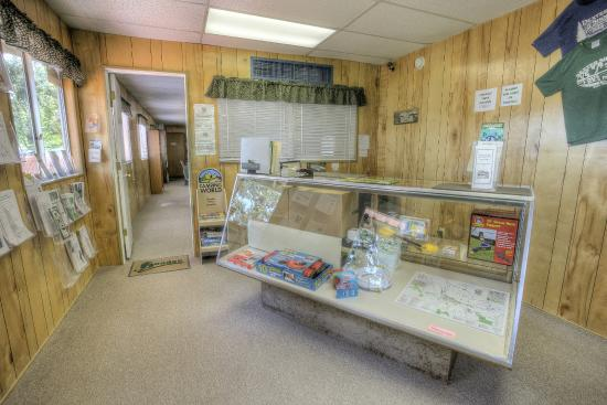 Clubhouse at Hoodoo's Dexter Shores RV Park