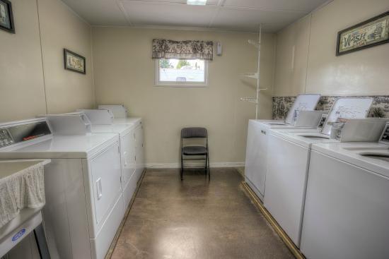 Laundry room at Hoodoo's Dexter Shores RV Park