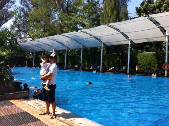 very large pool picture of hotel oasis bandung tripadvisor rh tripadvisor com sg