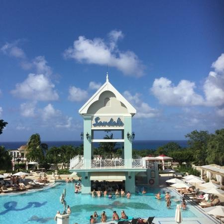 Nice pool on the hillside picture of sandals ochi beach for Funnest all inclusive resorts