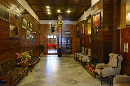 Pinewood Hotel: Inside