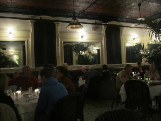 Le Colonial: The dining room