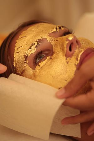Goldust Beauty Lounge