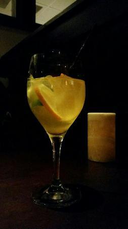 Stonewood Grill & Tavern: White Sangria