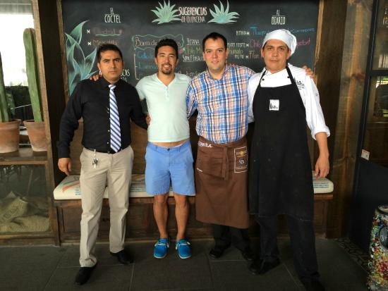 La Tequila: Barefoot runner with the staff