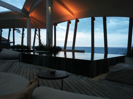 The Stones Hotel - Legian Bali, Autograph Collection: rooftop jacuzzi bar
