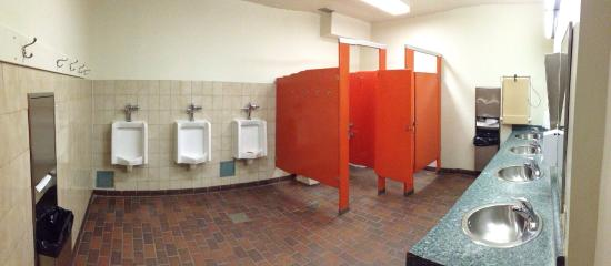 Mount Kidd RV Park: Men's washroom is old fashioned but clean
