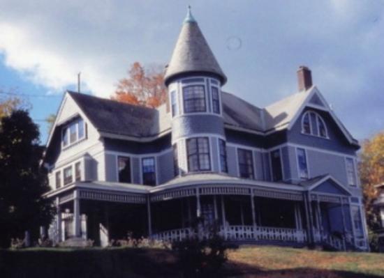 Hancock House B and B: HANCOCK HOUSE