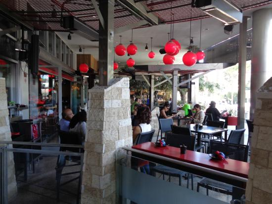 RA Sushi Bar Restaurant: Patio