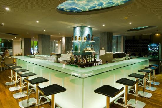 H2O Restaurant Cafe-Bar: H2O Restaurant Cafe Bar