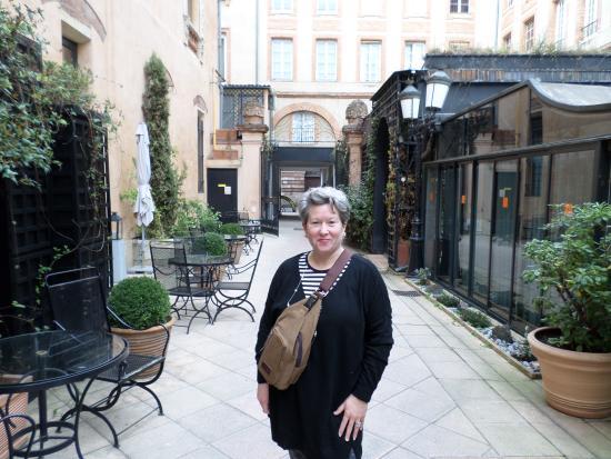 Grand Hotel de l'Opera: Outside the entrance of the hotel