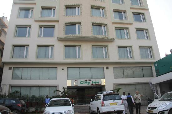 Hotel City Inn: Entrée de l'hôtel