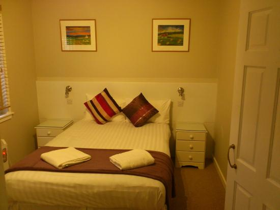 High Range Self-catering Chalets: Bedroom.
