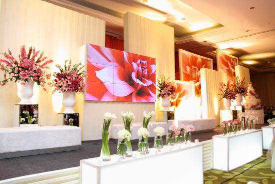 Wedding set up picture of mason pine hotel bandung tripadvisor mason pine hotel wedding set up junglespirit Image collections